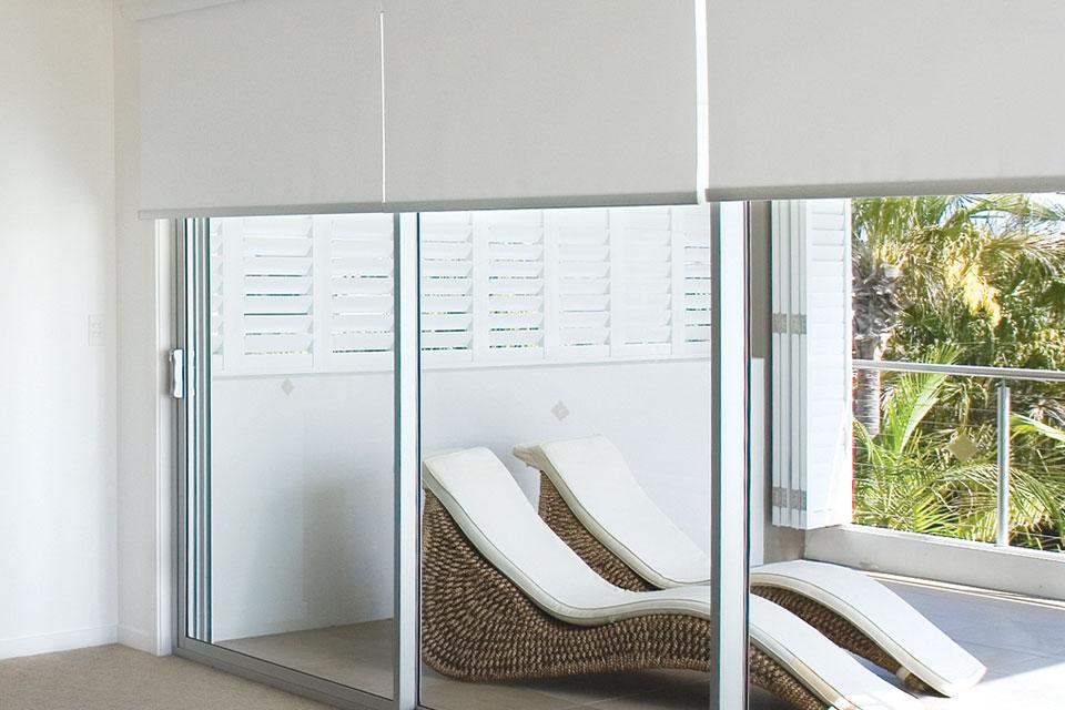 Тканевые ролеты – красивая и функциональная альтернатива оконным занавесям